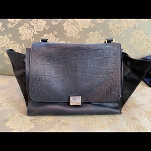 Auth. CELINE trapeze black pressed leather bag